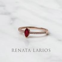 Renata Larios 10